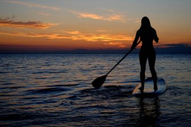 3 raisons d'essayer le stand up paddle pendant vos vacances