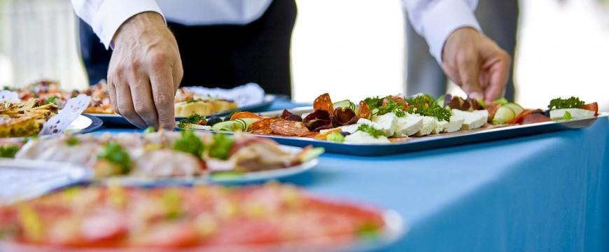 Banquet table, selective focus, canon 1Ds mark III